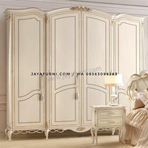 Lemari Pakaian Empat Pintu lemari pakaian empat pitu duco klasik jayafurni mebel