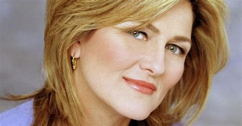 cynthia mcfadden haircut esteemed broadcast journalist and award winning anchor for