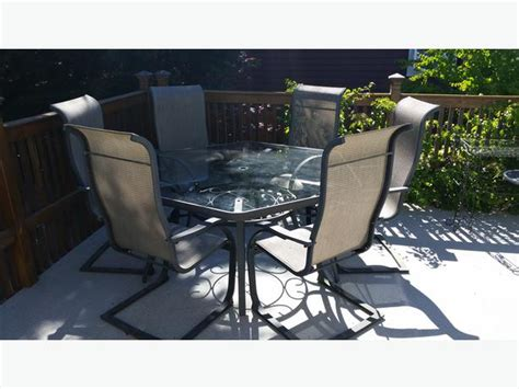 Hexagonal Glass top wrought iron patio table Qualicum, Nanaimo