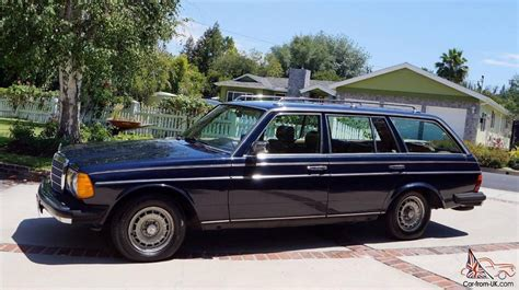blue station wagon 20006d1090957897 nekkid om617 om617 jpg images frompo