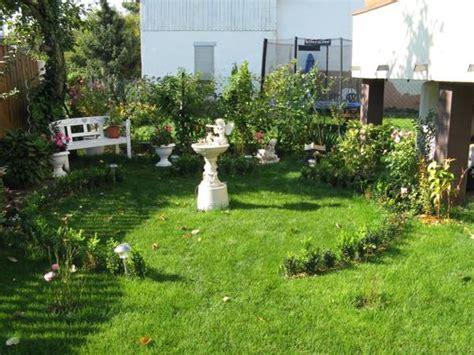 Garten 30 Qm Gestalten by Rosebbogen Zwischen Ligusterhecke Seite 3