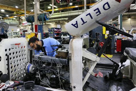 Diesel Mechanic Working Conditions by Airline S Other Fleet Science Ground Equipment Delta News Hub