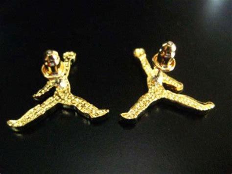 air earrings