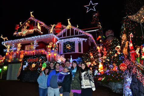 north vancouver home decorated with 100 000 christmas