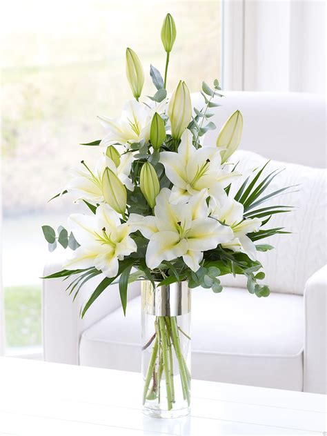 Floral Vases by Vases Design Ideas White Flower Vase Ideas White Vases For Weddings Inexpensive White