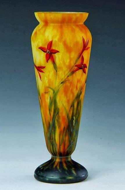 daum vase de la verrerie etoile croismare 1923