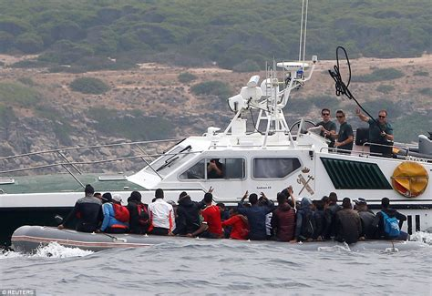 speed boat in spanish spanish mayor warns his town is the new migrant crisis