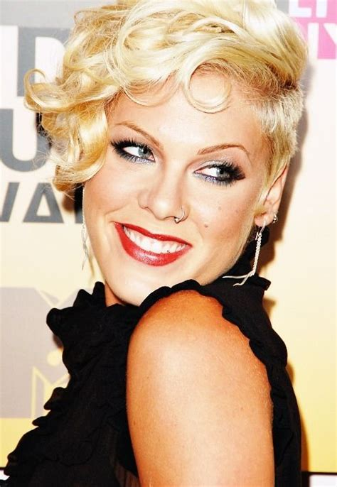 Pink Hairstyles by Singer Hairstyles 2016 Pink Hairstyle