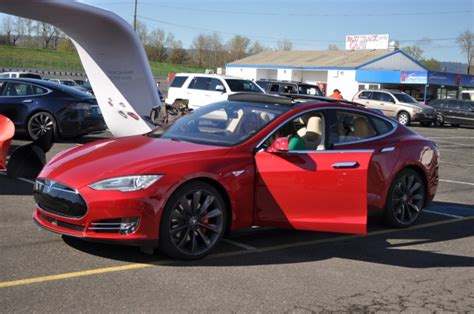 How Fast Can A Tesla Go React To Tesla Model S P85d Mode Launch