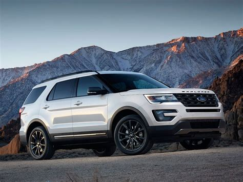 suvs with 3rd row seating 10 best suvs with 3rd row seating autobytel