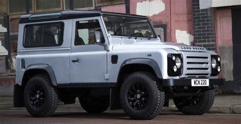land rover skyfall land rover defender to star in skyfall bond movie