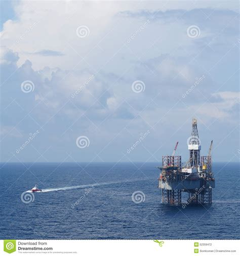 offshore drilling boats offshore drilling platform jack up drilling rig and crew