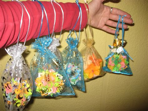 como hacer bolsitas de cumplea os con tela todo como hacer una bolsita para dulces imagui