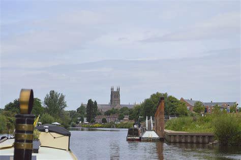 east stour motors narrowboat winedown river severn to stourport