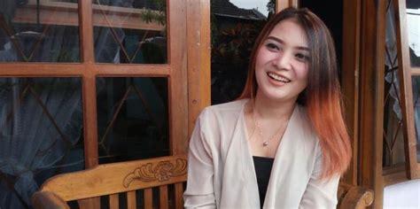 038sk Dompet Wanita Perempuan Cewe kumpulan foto wulan gadis yang viral saat banjir di pasuruan