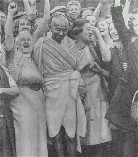 biography of m k gandhi in hindi mahatma gandhi biography biography online