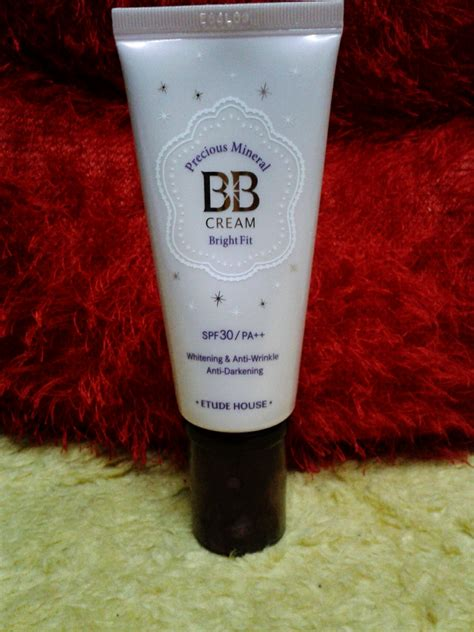 Dijamin The One Bb Bright Spf 30 product review etude precious mineral bb bright fit