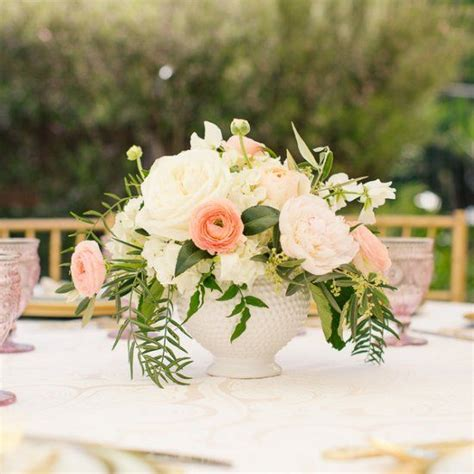 Bridal Centerpieces Flowers by 25 Best Ideas About Bridal Shower Flowers On
