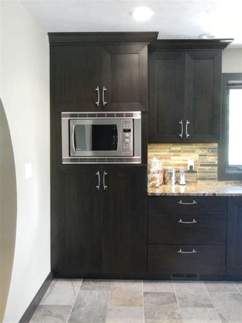 kitchen microwave ideas best 25 kitchen cabinets ideas on white