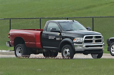 ram 5500 bed ram spied testing a 5500 heavy duty with a bed