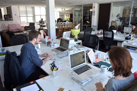 le monde du bureau how business can thrive in the digital age fortune