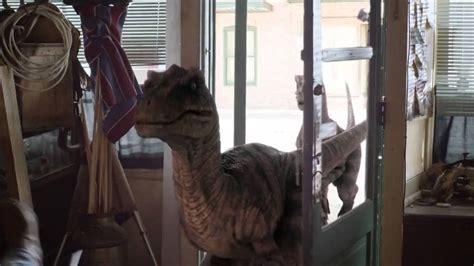 film cowboy vs dinosaurus trailer film cowboys vs dinosaurs eric roberts sara