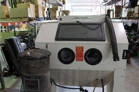central pneumatic blast cabinet central pneumatic 94274 dual door blast cabinet property