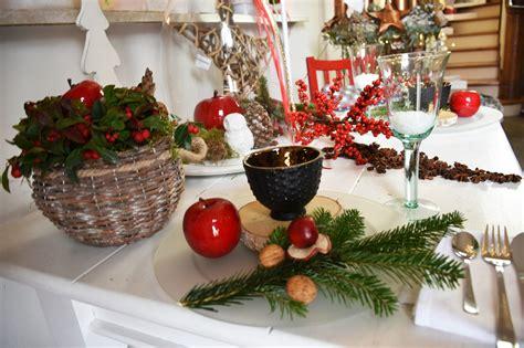 deko tipp ideen f 252 r den weihnachtstisch sintre - Einfache Weihnachtstisch Dekorationen