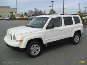 bright white 2012 jeep patriot sport exterior photo