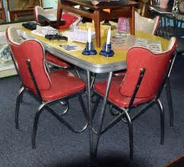 1950s Kitchen Table C Dianne Zweig Kitsch N Stuff 1950s Formica And Chrome Tables Gaining In Populalrity And Value
