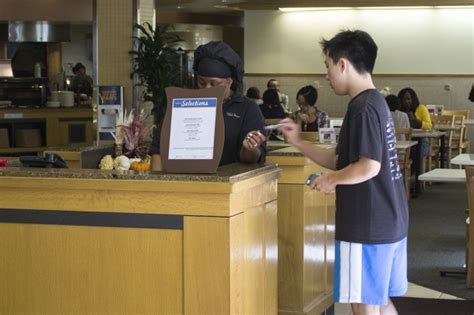 ucla housing meal plan ucla housing reduces swipes for some hill residents after internal error daily bruin