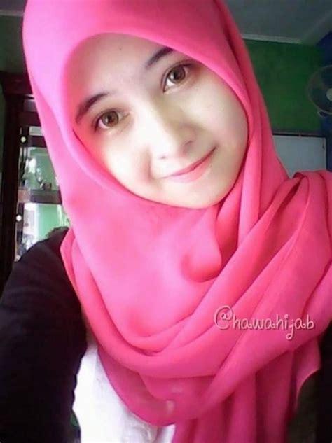 foto cewek cantik dengan jilbab cantik telanjang bulat