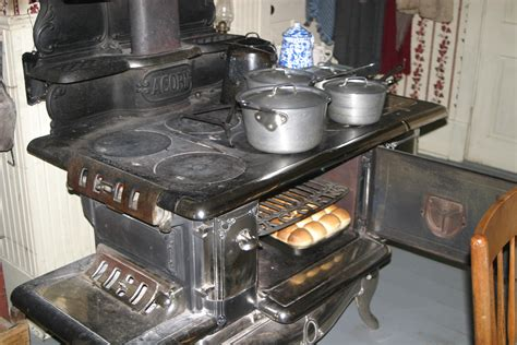 Wood Burning Kitchen Stove by Our Acorn Woodburning Cookstove Living History Farms