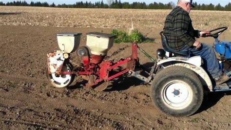 Garden Corn Planter by Planting Sweet Corn With Corn Planter