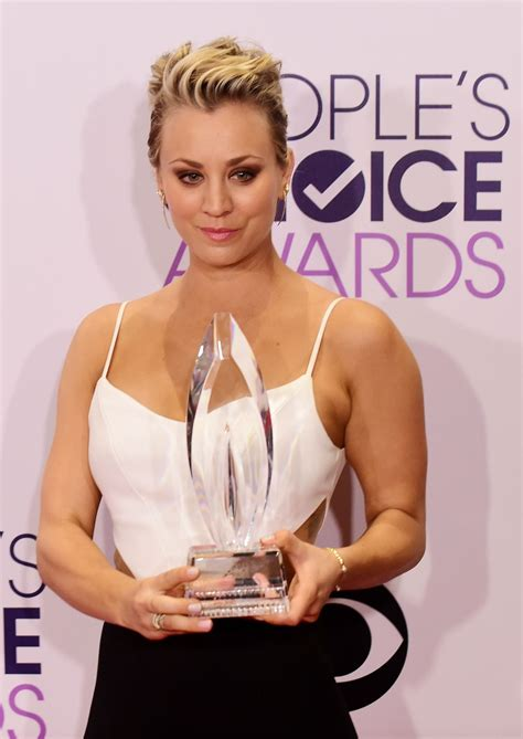 2015 sweeting kelly cuoco hairstylegalleries com 2015 hot kaley cuoco kaley cuoco at 2015 people s choice