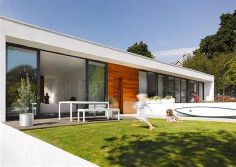 houses to buy in poole on the market three bedroom single storey modernist property in poole dorset wowhaus