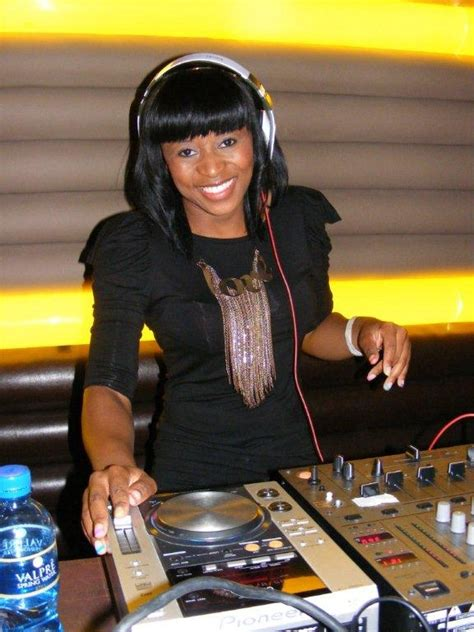 mp3 download dj zinhle my name is dj zinhle ft busiswa my name is download discover
