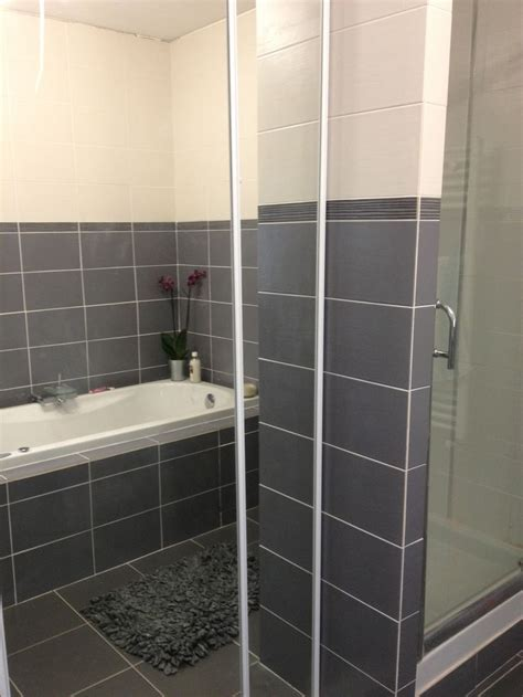 Carrelage Color Salle De Bain by Related For Carrelage Salle De Bain Blanc Et Gris Salle