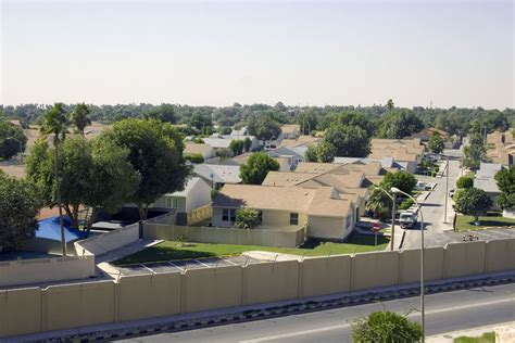 expat living and working in saudi arabia ksa rules living in dammam for expats pros cons