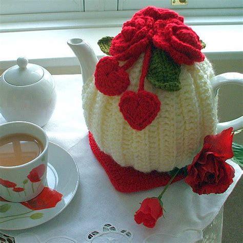 Handmade Tea Cosy - handmade hearts and flowers tea cosy