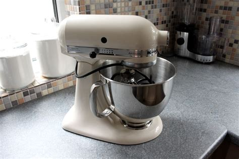 Mixer Merk Kitchenaid 4 retro keukenrobots die gezien mogen worden woonmooi