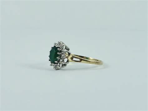 Green Cubic Zirconia 6 707 Ct stuffmine vintage 9ct yellow gold green cubic
