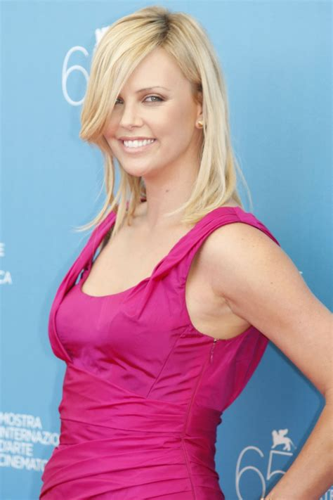 Charlize Theron Pretends To Model by Model Charlize Theron Wallpapers 6597