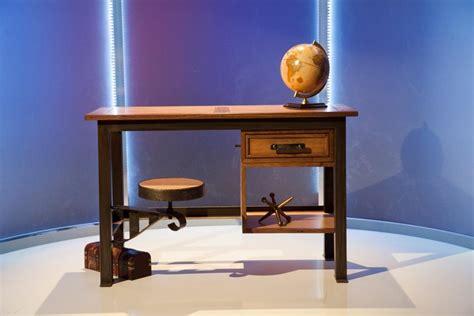 ellen degeneres furniture behind the scenes episode 1 of ellen s design challenge