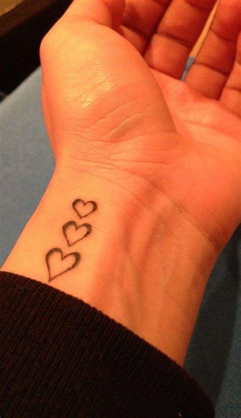 tattooed heart descargar heart tattoo on wrist pinteres