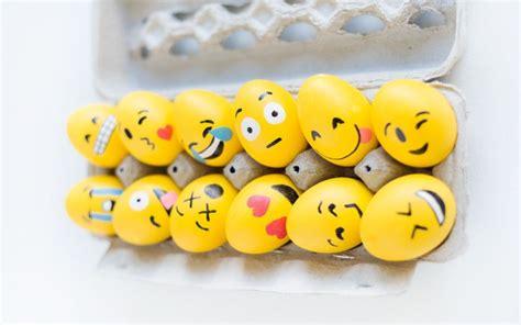 huevos decorados de emojis 15 originales dise 241 os vistos en pinterest para decorar