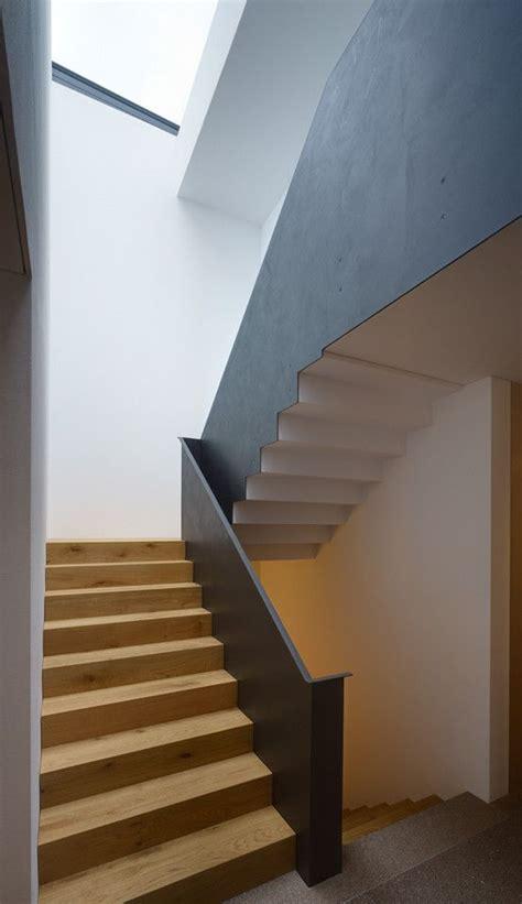 modernes treppenhaus modernes einfamilienhaus mit pool treppenhaus diele und
