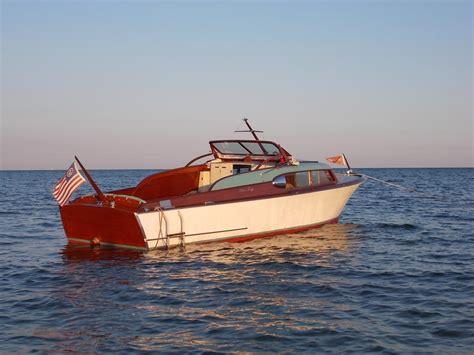 chris craft express cruiser powerboat  sale