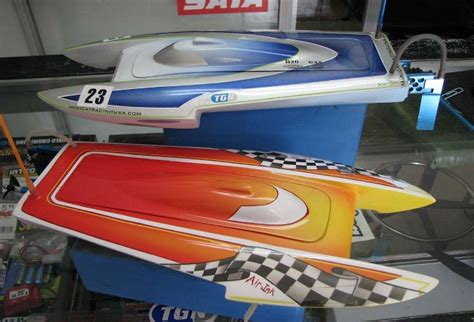 fast electric boat racing mini cat racing usa fast electric boats
