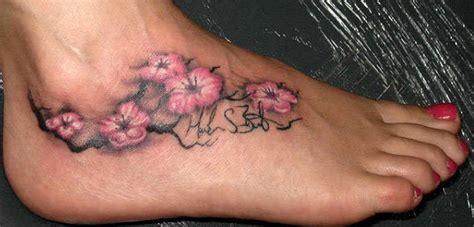 significado das tatuagens de flor de cerejeira